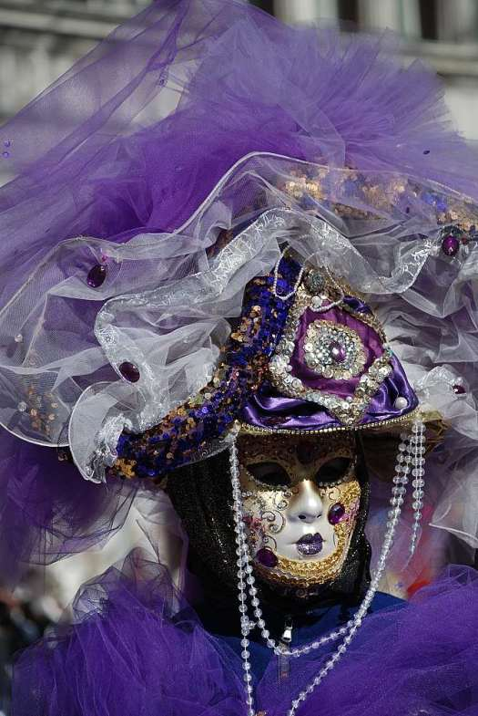 www.delightfullyitaly.com_Venice-Carnival_2