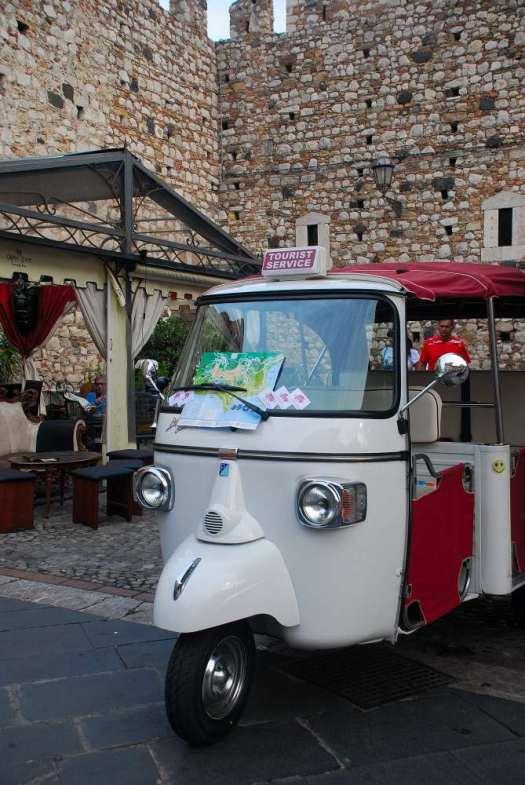 Taormina in one day - Ape taxi