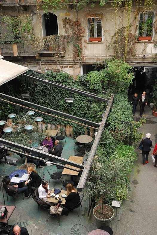 Corso Como_The outside bar