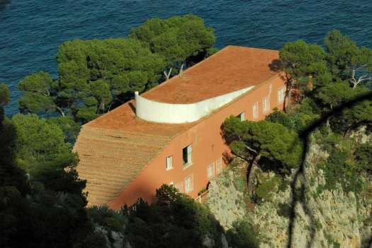 Capri walking itinerary - the Curzio Malaparte house