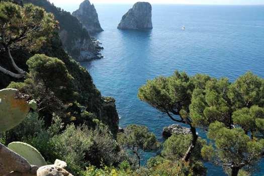Capri walking itinerary - Capri Faraglioni