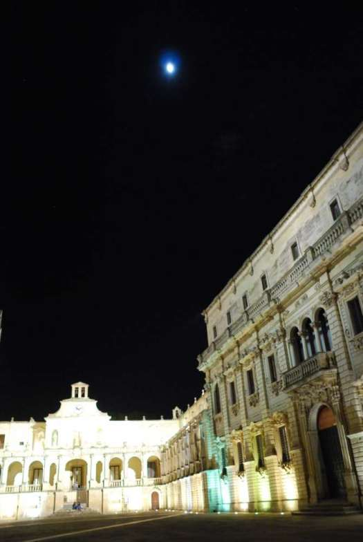 www.delightfullyitaly.com_lecce-by-night__180