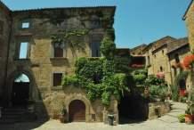 Civita Bagnoreggio_the dying city_012