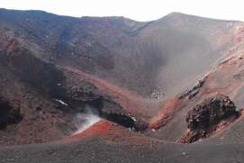 Climbing on top of Etna_024