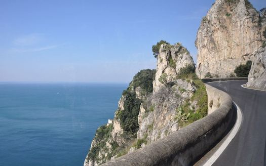 Amalfi coast Italy_the road
