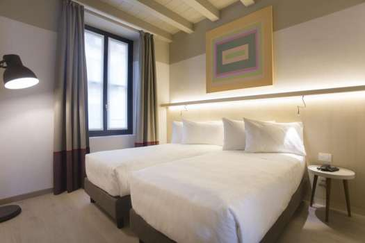 Milan best 3 and 4 stars hotels - Savona 18 suites