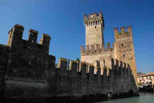 Garda lake in 1 day - Sirmione Castle