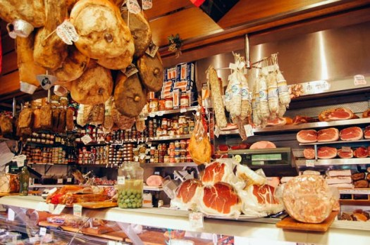 Rome food walking tour - upscale delicacies shop