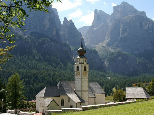 Visit the Dolomites - Colfosco