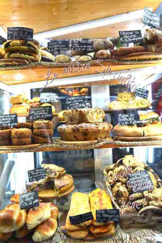 Naples in one day walking itinerary - Naples Street Food