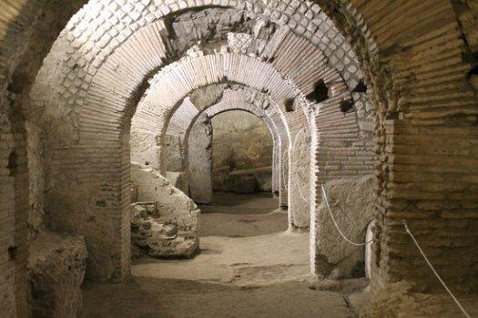 Naples in one day walking itinerary - Neapolis underground
