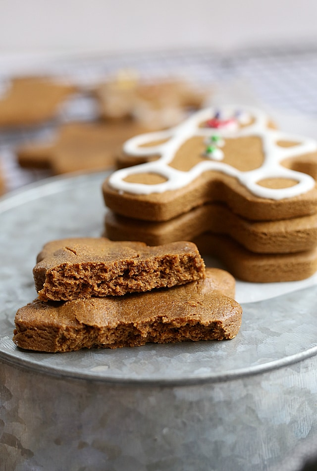 vegan gingerbread cookies (gluten free)