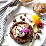 Chocolate Chia Pudding Pie Tarts (Raw & Vegan)
