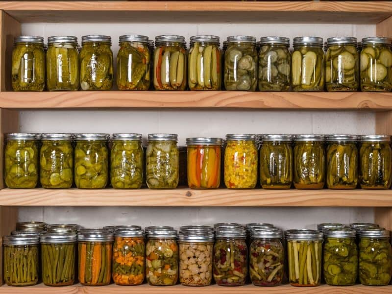 Using Glass Jar to store homemade canned preserved fruits and vegetables