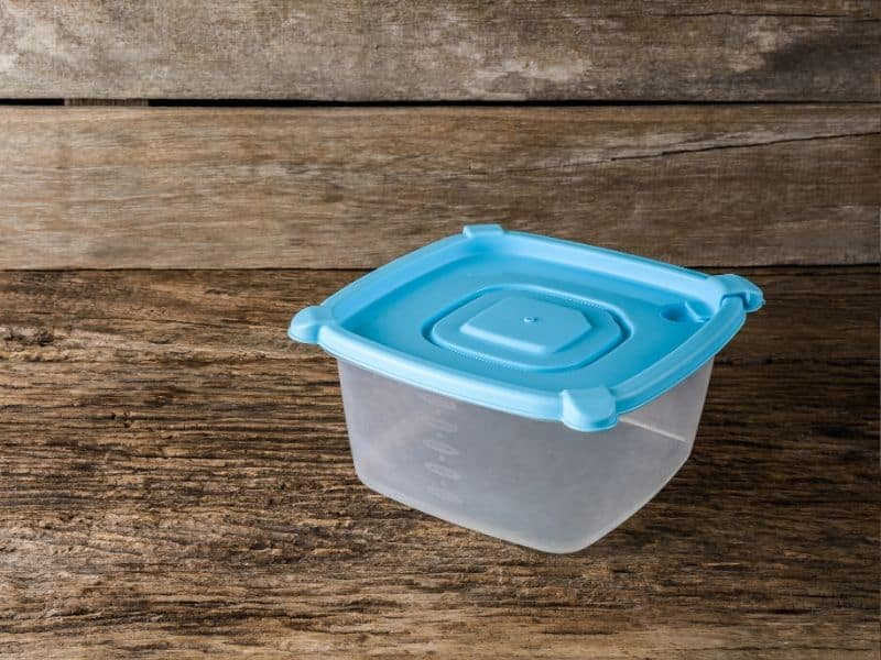 an-Empty-tupperware-containers-for-food