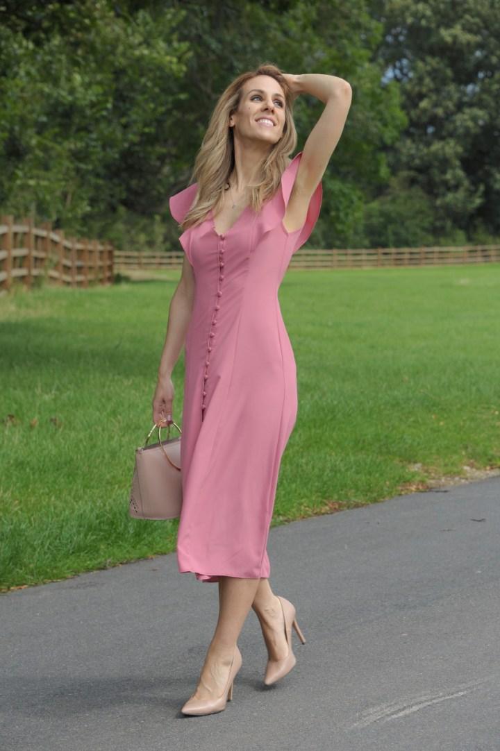 El vestido midi para una tarde de paseo