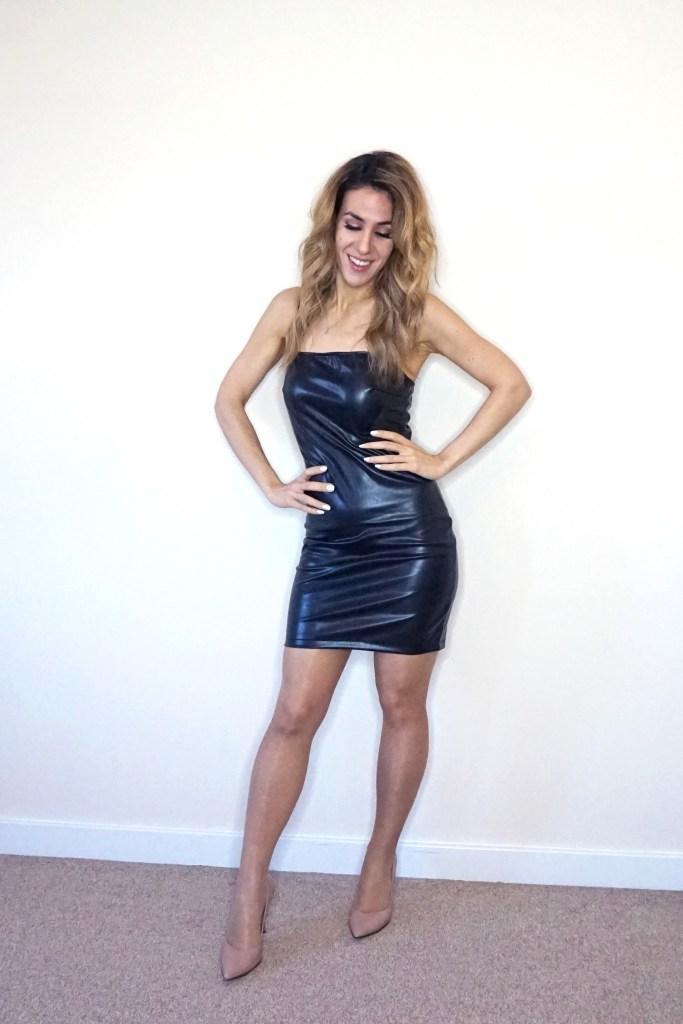 Vestido cuero negro corto Femme Luxe