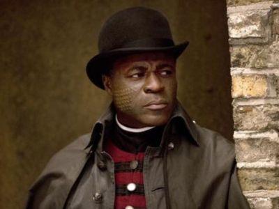 Danny Sapani como Sembene
