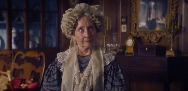 Gemma Jones interpreta a Tia Anne em Gentleman Jack