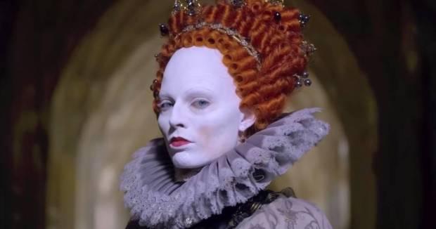 Elizabeth Tudor (Margot Robbie)