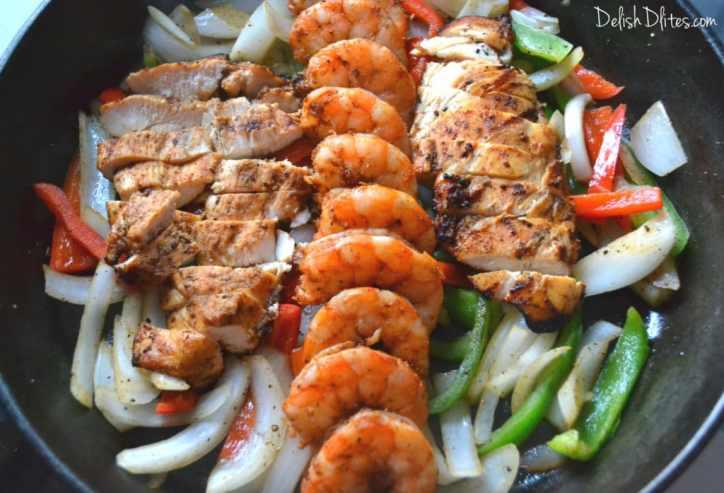 Chipotle Chicken and Shrimp Fajitas | Delish D'Lites