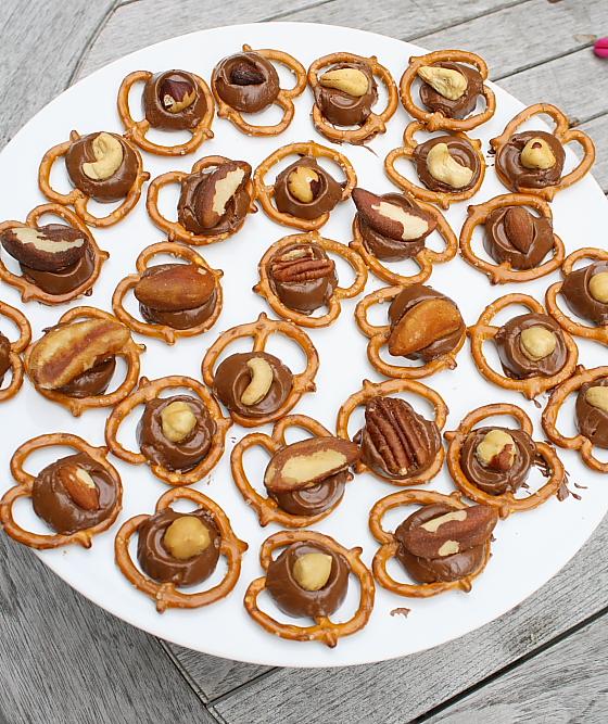 Rolo Pretzel Turtles - Carrots and Spice