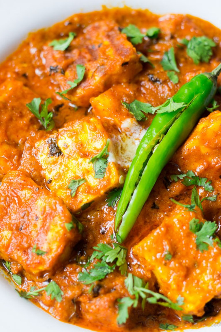 Keto Paneer Makhani is a healthy, low carb twist to the traditional Indian vegetarian recipe! Made with grilled cottage cheese pieces in buttery gravy this restaurant style Paneer Makhani will take care of all your cravings and is super easy to make.