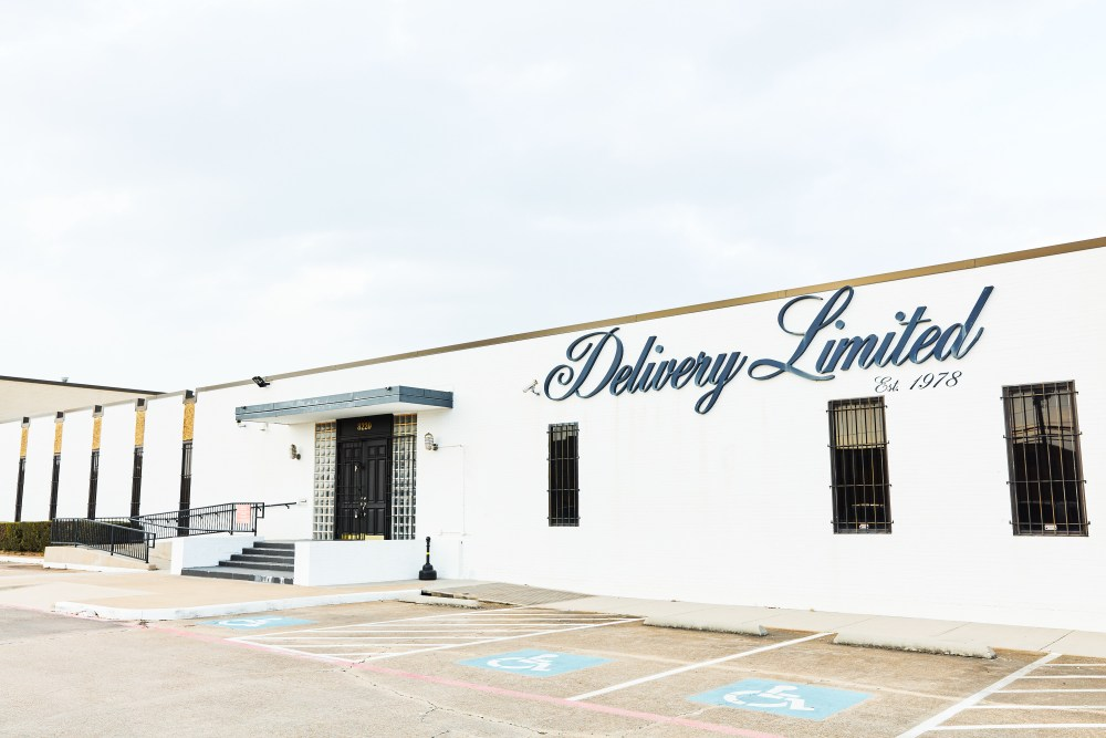 outside of delivery limited warehouse storage and office in Dallas Texas