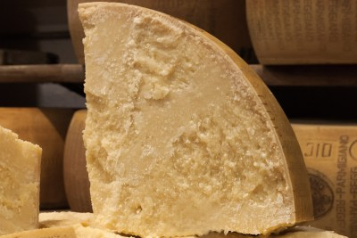 Parmigiano Reggiano 12 mesi ottavo di forma