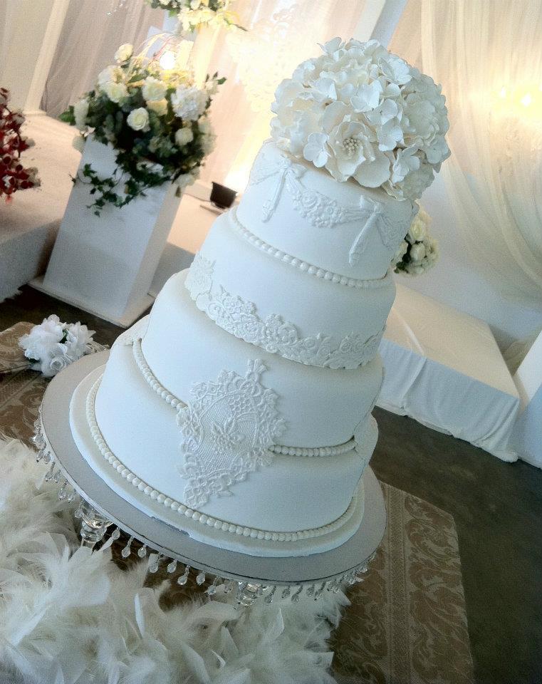 Wedding Essentials The 4Tier Wedding Cake  Dellaire