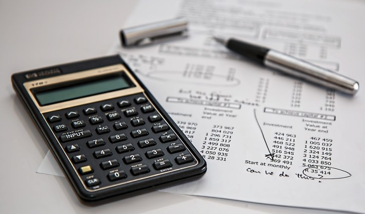 calculator calculation insurance - 6 Top Beginner's Tips for Investing in Forex CFD Stocks