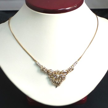 Ladies 14k Yellow Gold Bow Necklace with Diamonds