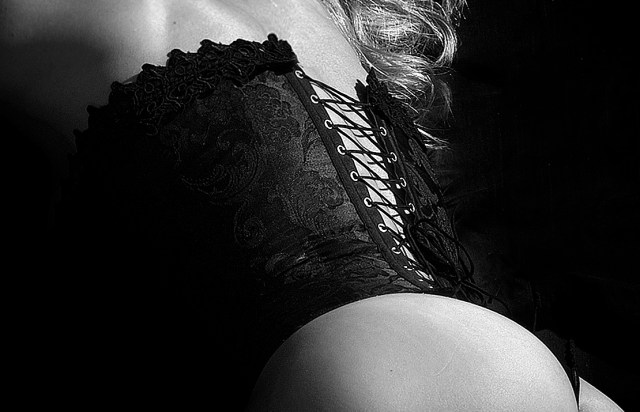 del-mar-photographics-body-boudoir-photography-la-jolla-0032-BW