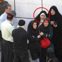 عکس و مشخصات 6 زن مامور نیروی انتظامی در حال دستگیری مردم