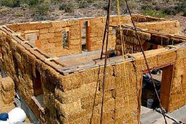 Резултат с изображение за къщи слама 1 000 евро