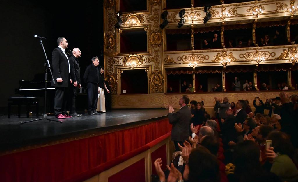 Recensione del concerto di Philip Glass al Teatro Regio di Parma. Glass ha eseguito tutte e 20 le Etudes al piano.