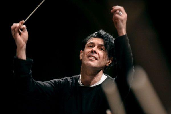 Ezio Bosso dirige l'Orchestra del Teatro Comunale di Bologna