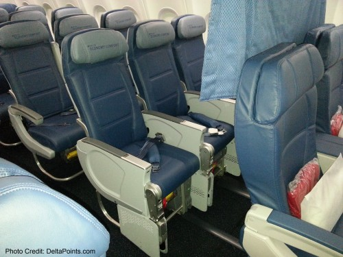 Delta Air Lines 737-900ER photos delta points travel blog (14)