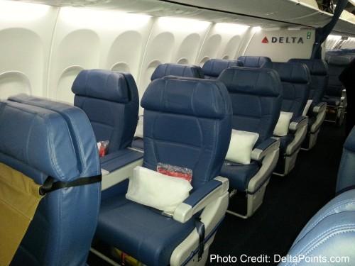 Delta Air Lines 737-900ER photos delta points travel blog (2)