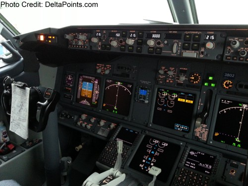 Delta Air Lines 737-900ER photos delta points travel blog (65)