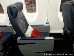 Delta Connection CRJ900 1st class seat Delta Points mileage run to hawaii (2)