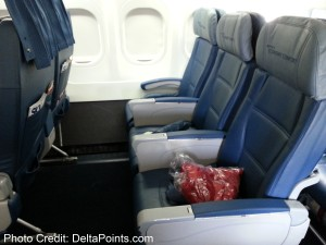 Front row Economy Comfort Delta 717-200 delta points blog (1)