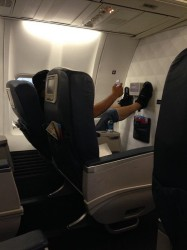 another jerk who should not be allowed to fly delta 1st class