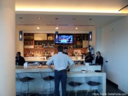 bar centurion lounge dfw delta points reveiw