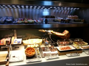 lunch buffet lufthansa 1st class lounge fra airport delta points blog (2)