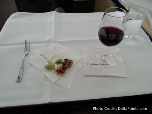 Lufthansa 1st class munich to Toronto A330 DeltaPoints blog review (9)