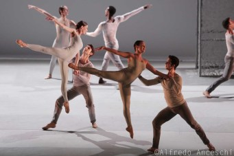 coreografia Lucina Childs
