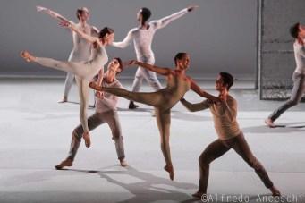 coreografia Lucina Childs