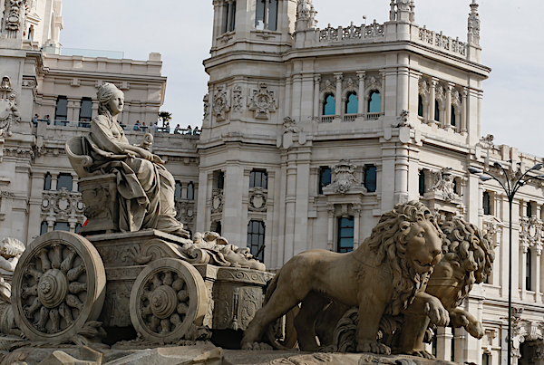 La fuente de la diosa Cibeles, uno de los iconos de la ciudad de Madrid. EFE/Paco Campos