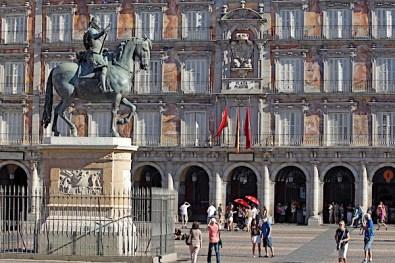 Estatua ecuestre del rey Felipe III en la Plaza Mayor de Madrid EFE/ Paolo Aguilar